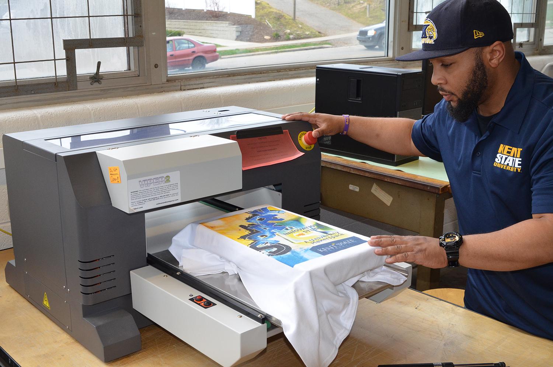 Spark's Viper2 garment printer